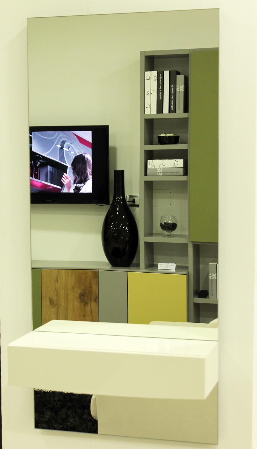Specchio moderno calligaris con cassetto stefano arredamenti for Stefano arredamenti
