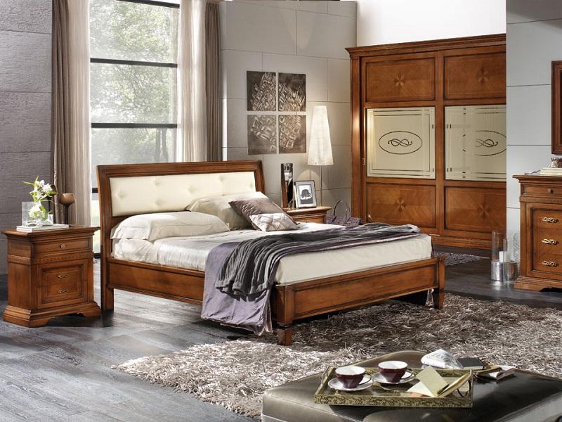 Camere da letto eleganti classiche tende classiche per for Mobili da camera da letto