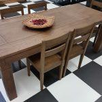 tavolo con sedie lato